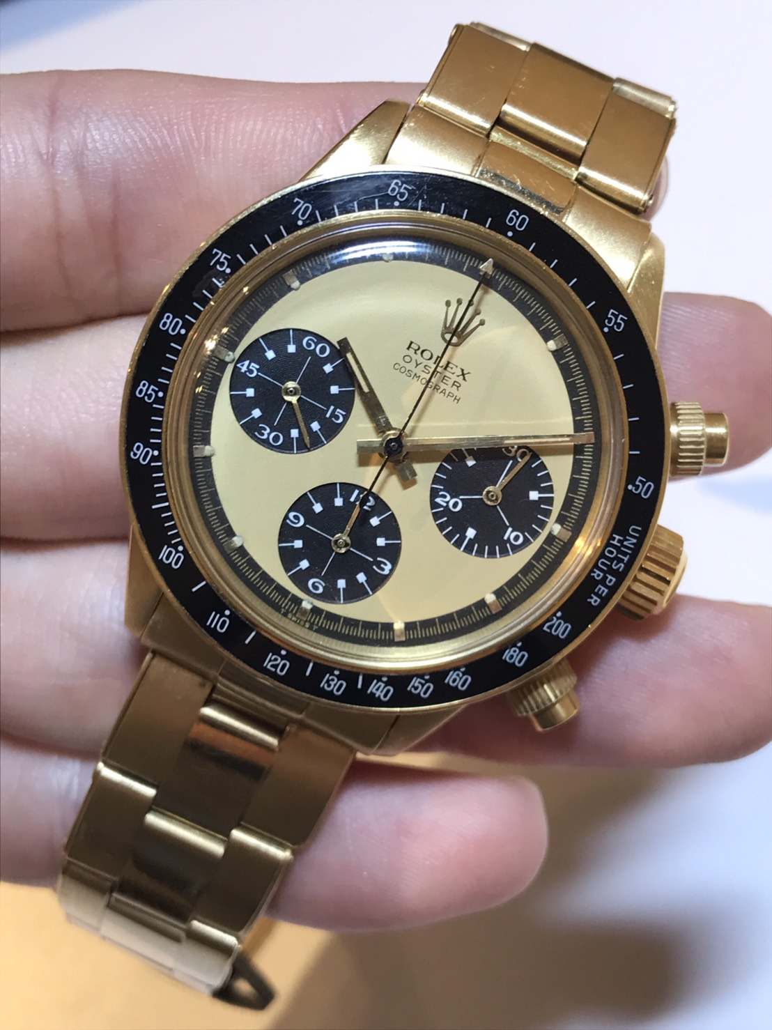 "62cbdfac61e 6263 Gold Oyster Paul Newman Chronograph:An exceptionally rare, highly  important, and very attractive yellow gold Rolex chronograph wristwatch  with ""lemon"" ..."